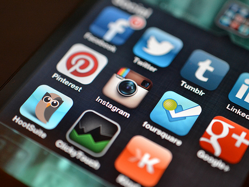 Social Media Marketing Simplified: SMART Marketing for Small Business